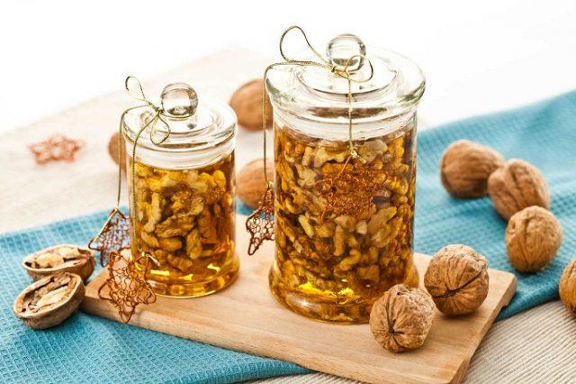 Грецкие орехи с медом для потенции